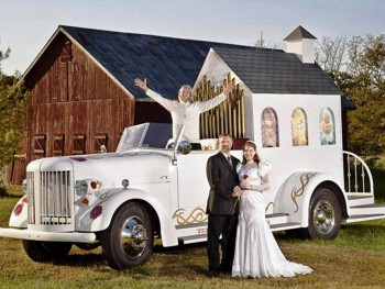 10. Fastest Wedding Chapels in the World e1319037031564 Top 10 Guinness World Records In 2011 – 2012