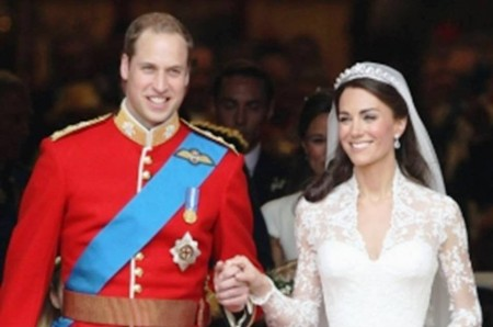 2. Kate Middleton and Prince William Costumes