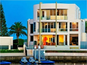 6. Sovereign Islands Paradise QLD e1319138293537 Top 10 Most Expensive Houses in Australia