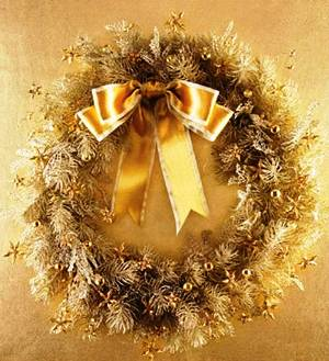 10. Golden Christmas Wreath Top 10 Best Christmas Wreath Ideas