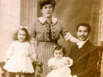 3. An Engineer Met His Future Wife 1908 e1320394711839 Top 10 Interracial Marriages