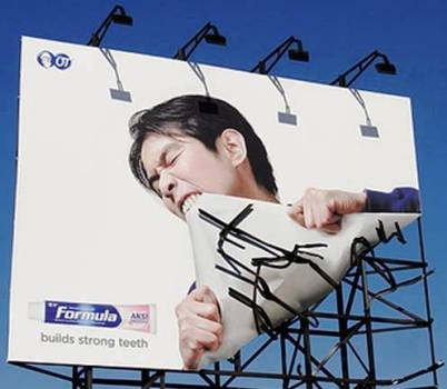 4. Formula Toothpaste 10 Most Impressive Billboard Advertisements