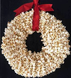 4. Popcorn Wreath Top 10 Best Christmas Wreath Ideas