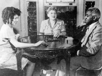 6. An Actress Met a Journalist 1928 e1320394579330 Top 10 Interracial Marriages