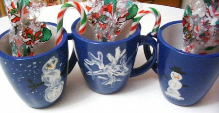 8. Decorate Your Own Mug e1321041449331 10 Christmas Gifts that Kids Can Easily Make at Home