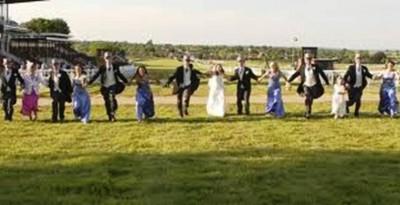 8. Horse Racing Venue e1320408713831 Top 10 Weirdest Wedding Venues