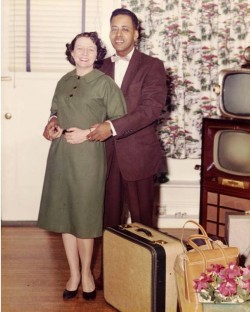 9. Barney and Betty Hill Notable Relationship 1960 e1320394271666 Top 10 Interracial Marriages