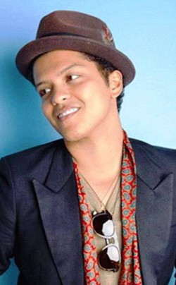 1. Bruno Mars e1326249678560 Top 10 Most Popular Male Singers in 2012