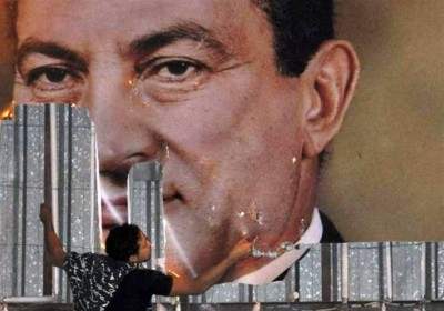 1. The Ousting of President Hosni Mubarak e1327462755835 10 Most Devastating Moments of 2011 – 2012