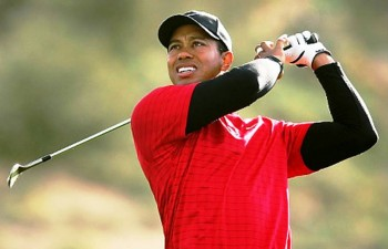 1. Tiger Woods e1326478154987 Top 10 Richest Athletes in 2012