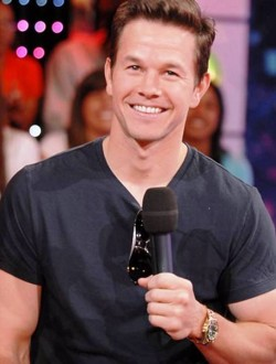 8. Mark Wahlberg e1327484594581 Top 10 Most Expensive Actors in 2012