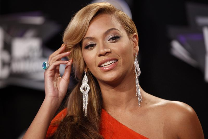Beyonce 2012 Top 10 Most Popular Females Singers in 2012