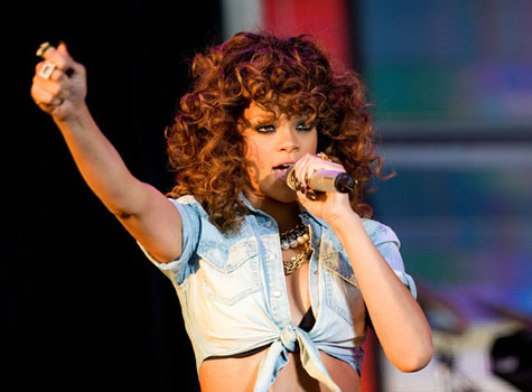 Rihanna 2012 Top 10 Most Popular Females Singers in 2012