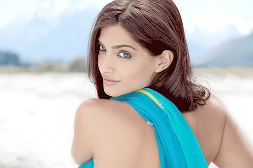Sonam Kapoor Hot Top 10 Best Bollywood Actresses 2011   2012