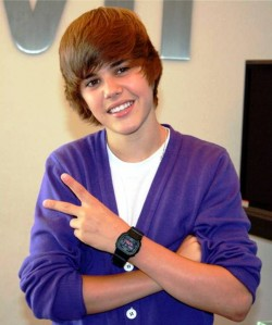 1. Justin Bieber e1330087276405 Top 10 Richest Teen Celebrities of 2012