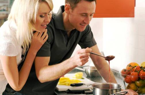 5. Cook dinner 10 Ways to Please Your Partner on Valentines Day