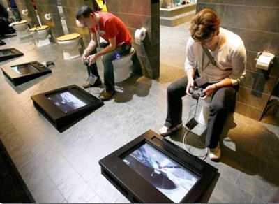 9. Playing While Finishing e1332152924640 10 Most Bizarre Toilets The World Have Ever Seen
