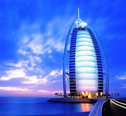 1. Burj Al Arab e1334589228406 Top 10 Most Luxurious Hotels in Dubai