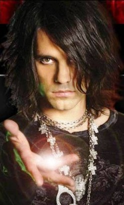 2. Criss Angel e1334938281213 Top 10 Best Street Magicians in the World