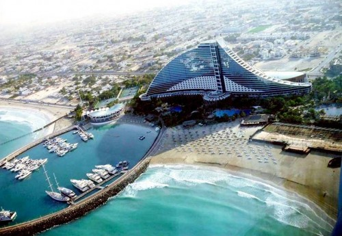 6. Jumerai Beach Hotel e1334589066506 Top 10 Most Luxurious Hotels in Dubai