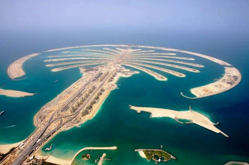 7. Visit the Man Made Palm Tree Shaped Island and other Islands e1334645182501 Top 10 Things to Do When You Go to Dubai