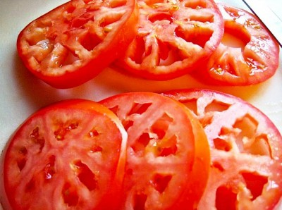 9. Tomatoes e1337952161921 Top 10 Most Nutritious Pizza Toppings