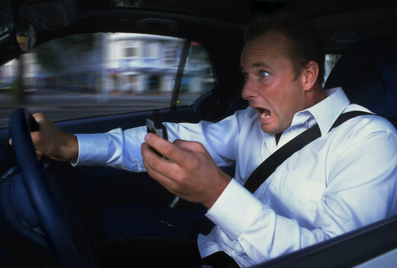 Do not use mobile phone while driving 10 Most Annoying Habits of Mobile Phone Users