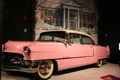 1. Elvis Presley' Pink Cadillac e1340099289409 10 Most Popular Things in Pink