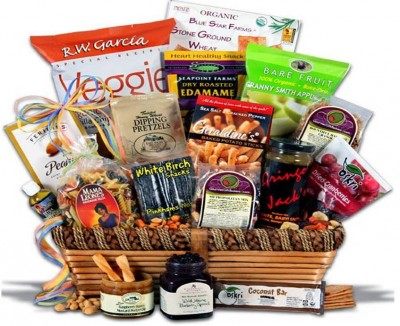 9. Healthy Snack Basket e1338530630812 Top 10 Healthy Gifts for Father's Day