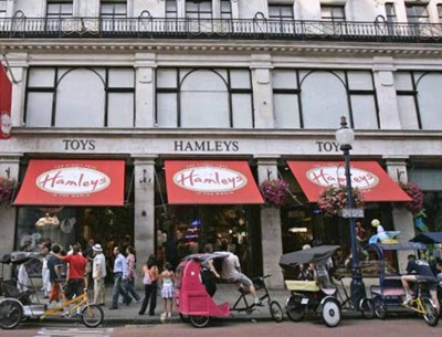 10. Hamleys e1342013719138 10 Best Places to Shop in London