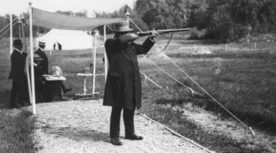 10. Live pigeon shooting 1900 e1343128081466 Top 10 Weirdest Sports in Olympics