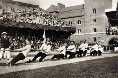 9. Tug of War 1900 e1343128070179 Top 10 Weirdest Sports in Olympics