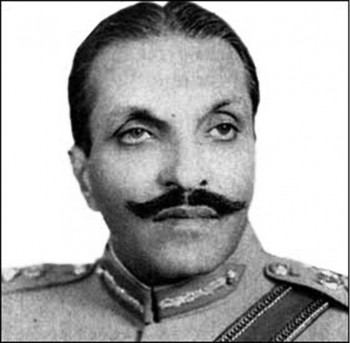 1. Muhammad Zia ul Haq 1988 e1346068620337 Top 10 Presidents Who Died in Plane Crash