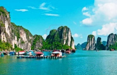 4. Ha Long Bay Floating Villages e1345501798955 Top 10 Secret Tourist Destinations