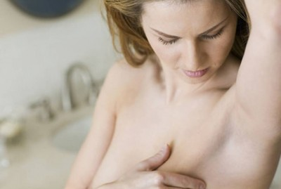 7. Do a self breast check e1345645164404 10 Effective Ways to Avoid Breast Cancer