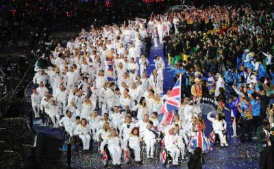 "10. Standing Ovation for David Bowie's Song ""Heroes"" e1346655686567 Top 10 Highlights in Paralympics 2012 Opening"