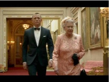 4. The Meeting of James Bond and Queen Elizabeth the II e1347345626621 Top 10 Paralympics Moments in 2012