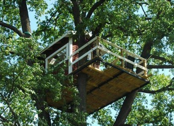 8. Tree House Hotels e1348845828211 Top 10 Most Bizarre Hotels in the World