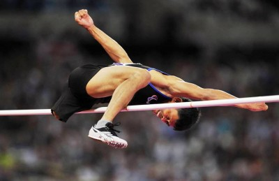 9. The Incredible High Jump e1347345725596 Top 10 Paralympics Moments in 2012