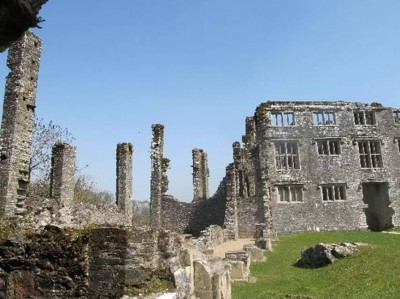 10. Berry Pomeroy Castle Totness e1351491842322 Top 10 Haunted Houses in the World