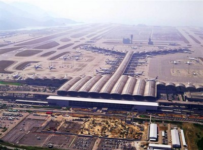 10. Hong Kong International Airport e1350373537629 Top 10 Biggest Airports in the World