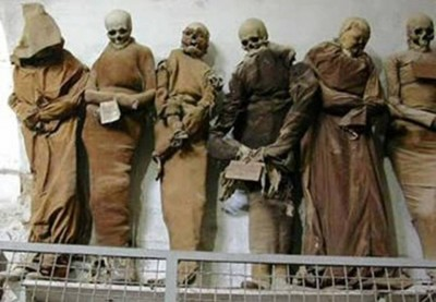 3. Catacombe dei Cappuccini e1351245705497 Top 10 Most Bizarre Cemeteries in the World