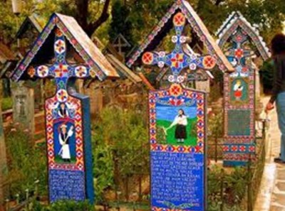 5. The Merry Cemetery e1351245738452 Top 10 Most Bizarre Cemeteries in the World