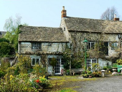 7. Ancient Ram Inn Gloucestershire England e1351491813417 Top 10 Haunted Houses in the World
