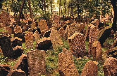 7. Old Jewish Cemetery e1351245762620 Top 10 Most Bizarre Cemeteries in the World