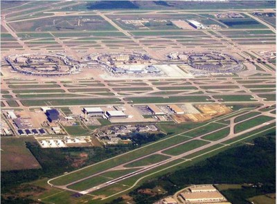8. Dallas Fort Worth International Airport e1350373518551 Top 10 Biggest Airports in the World