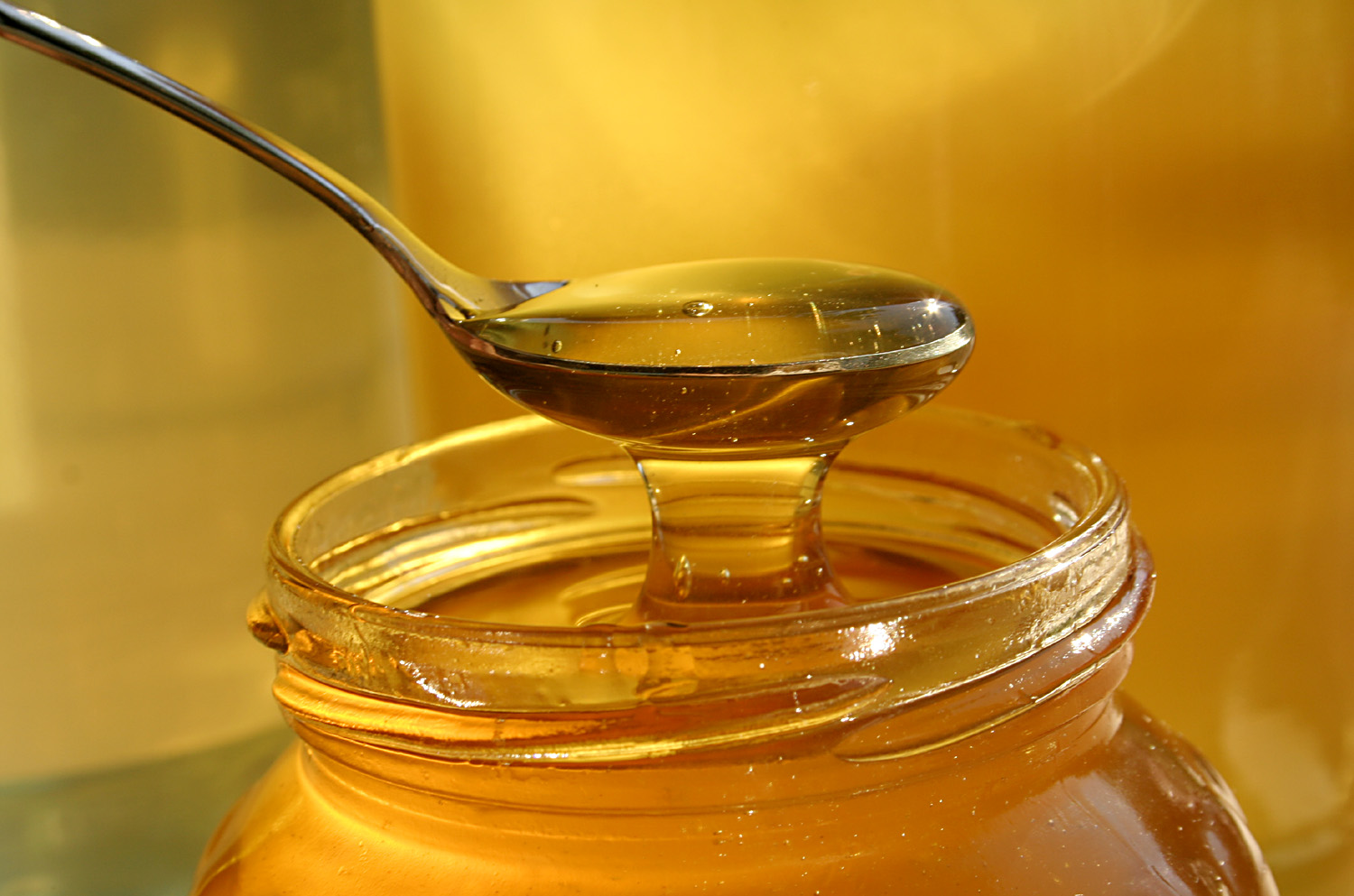 10 Healthy Benefits of Honey