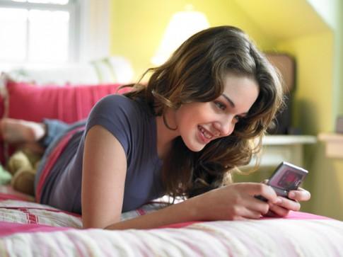 girl-txting