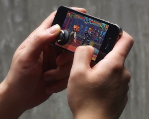 Brick-Joystick-for-Smartphone-Gaming