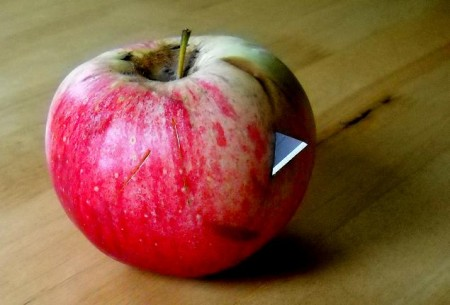 Razorblades-in-Apple